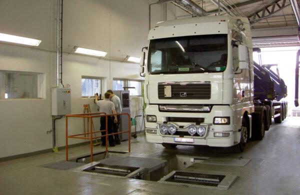BM Roller brake tester for HGV & Bus